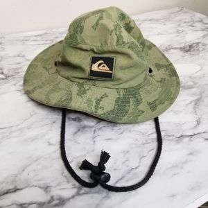 Quicksilver green sun hat with neck string